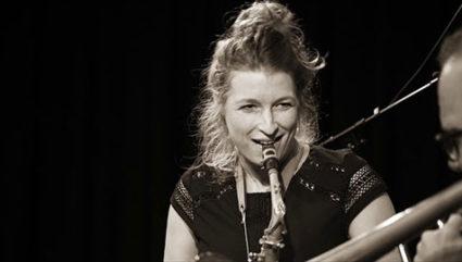Nicole Johänntgen - Henry